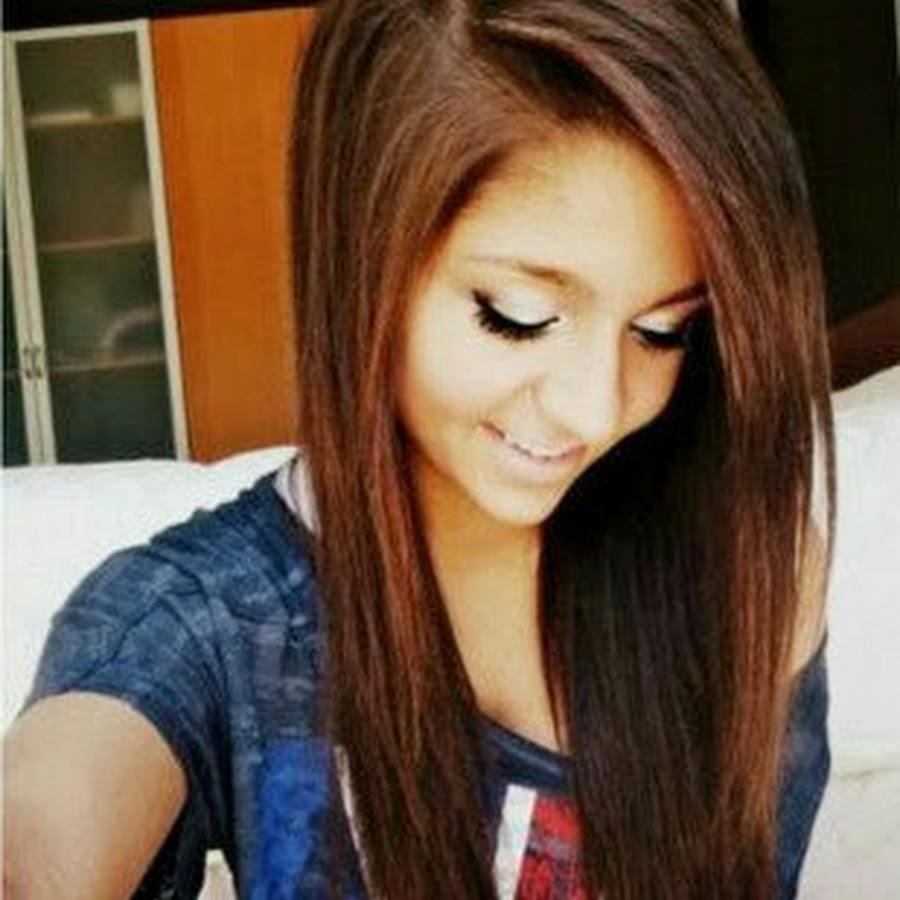 Фото девушку на аву с коричневыми волосами