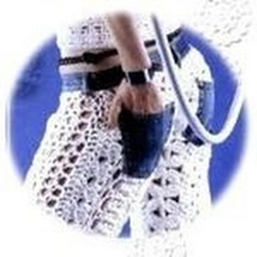Пучок с локонамВязание спицами гольфы носки схемы