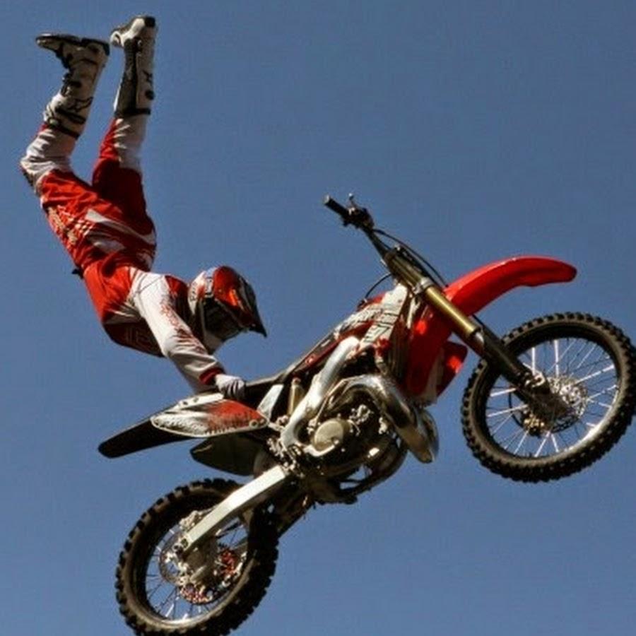 Трюки на мотоциклах 15 фотография