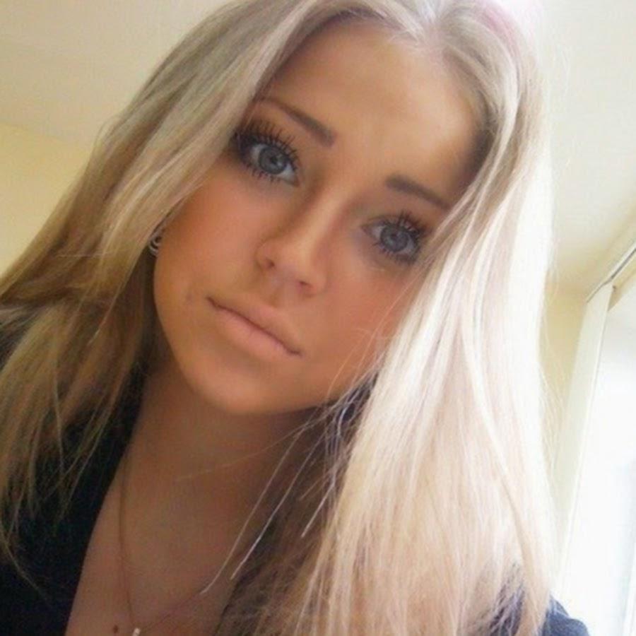 Фото одной красивой блондинки до 25 лет 14 фотография