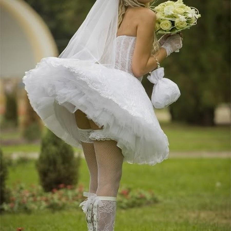 Трахает в свадебном платье 21 фотография
