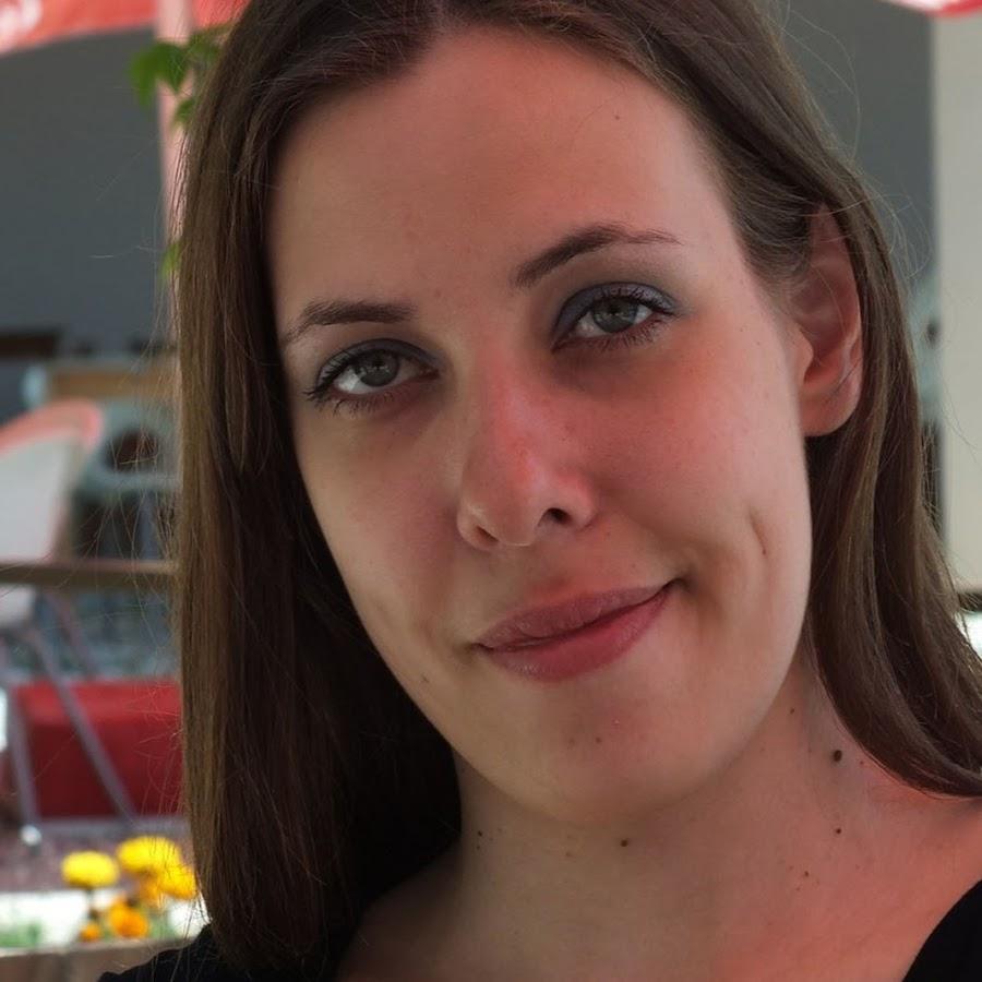 Дарья Великанова - YouTube