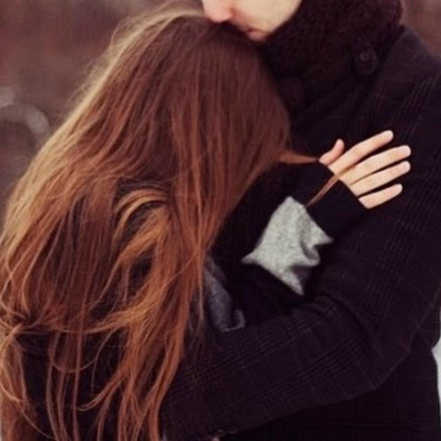 Фото парня и девушки со спины в обнимку на аву зимой