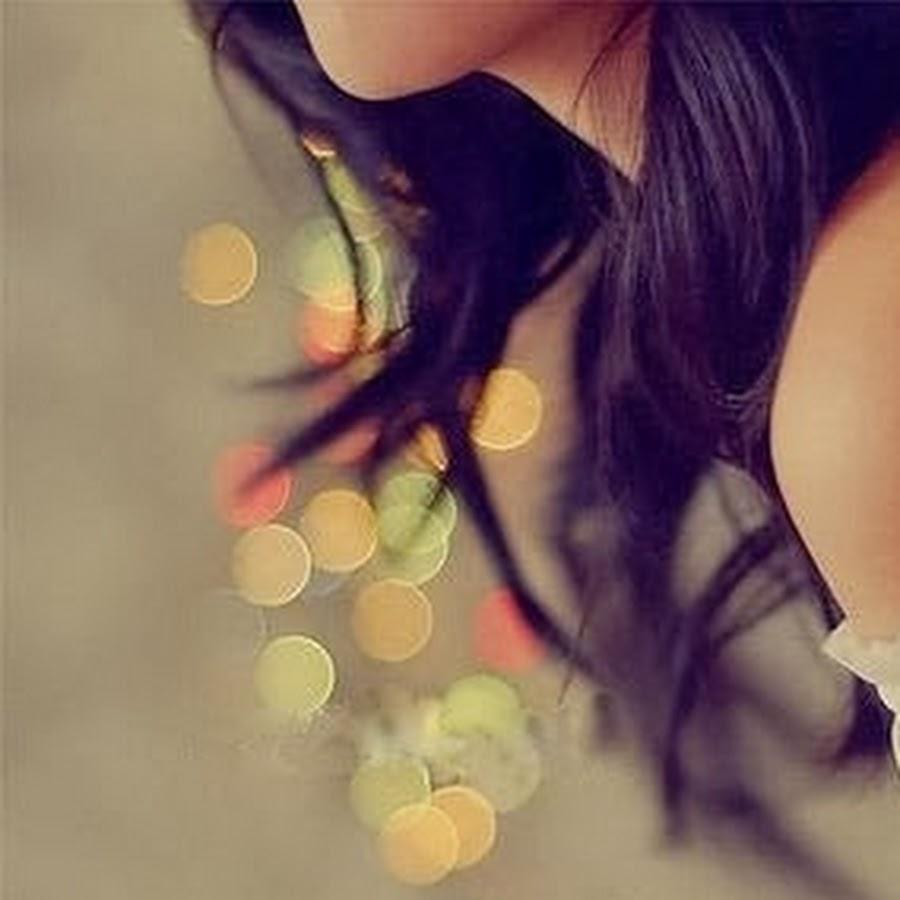 Красивые девушек сбоку на аву