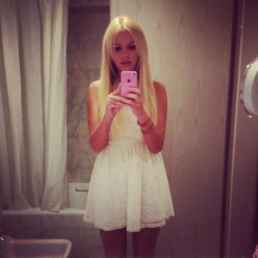 Реальные фото блондинок в платье на аву