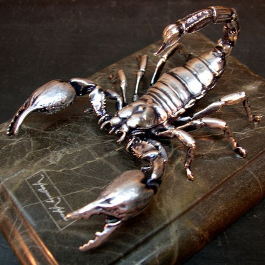 Скорпион своими руками из дерева