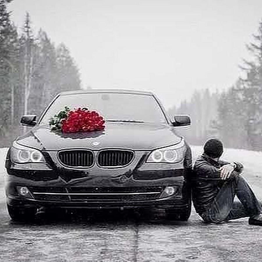 Фото парней с цветами у машин