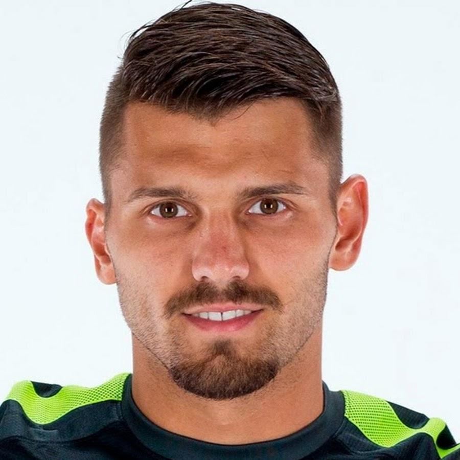Причёски у футболистов зенита