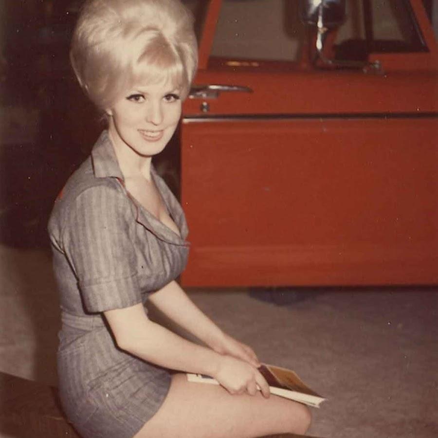 Прически 60х годов фото