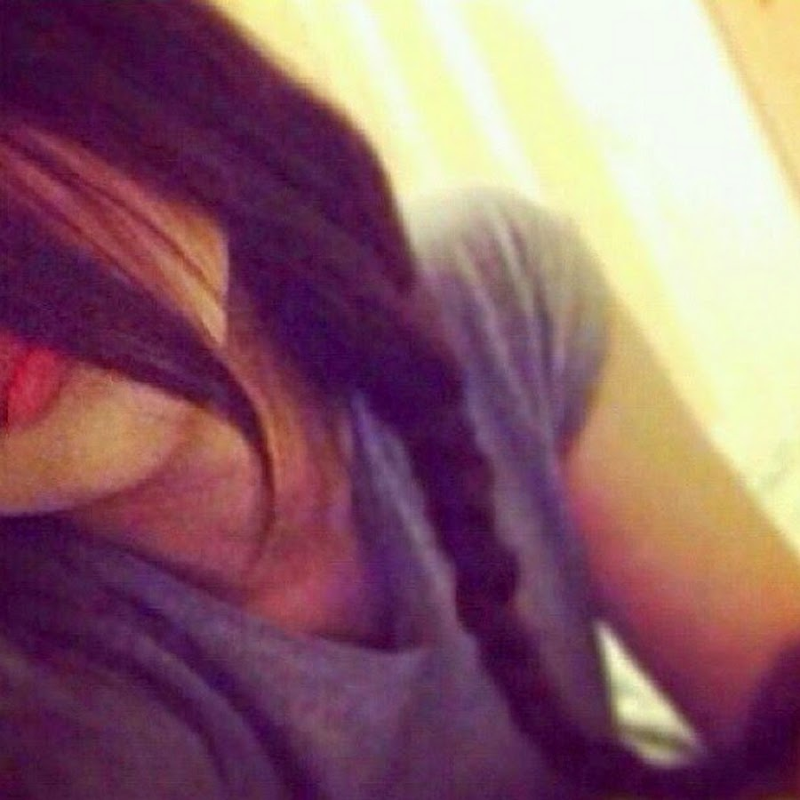Фото девушек на аву без лица брюнетки с длинными волосами