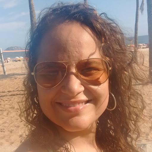 Ana Luíza Souza Carvalho