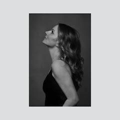 Geri Halliwell - Topic