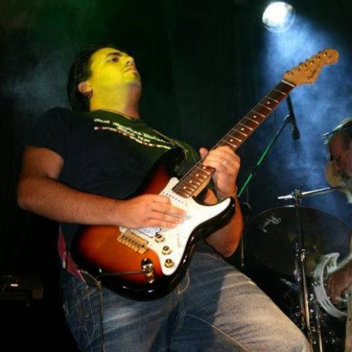 Leo_Guitar85