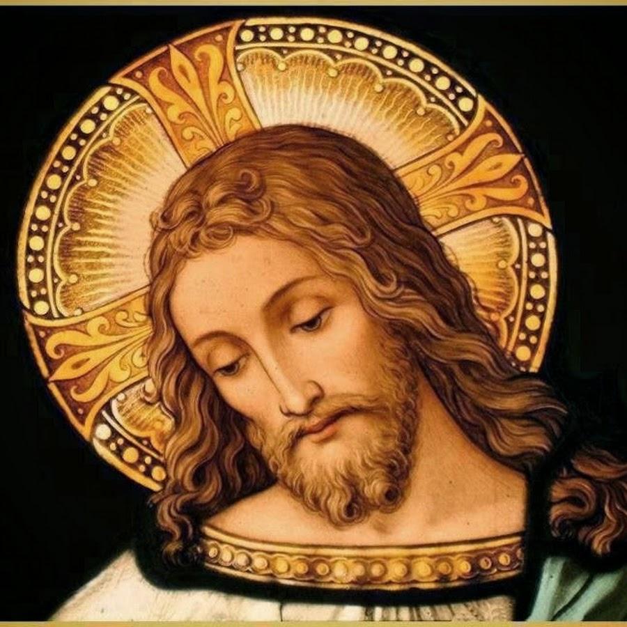 وإِذا يسوعُ قد جاءَ لِلِقائِهما فقالَ لهما: افْرَحا