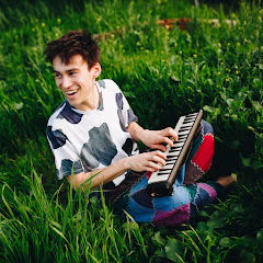 Jacob Collier - Topic
