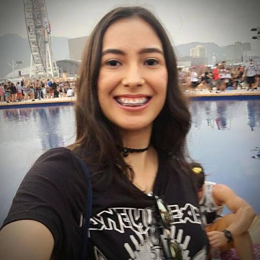 Júlia Nunes