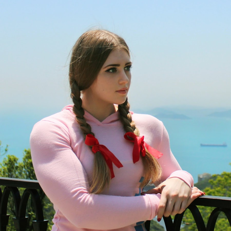 Julia pink youtube