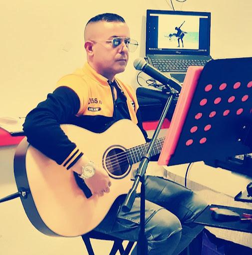 Robertino Singer Live