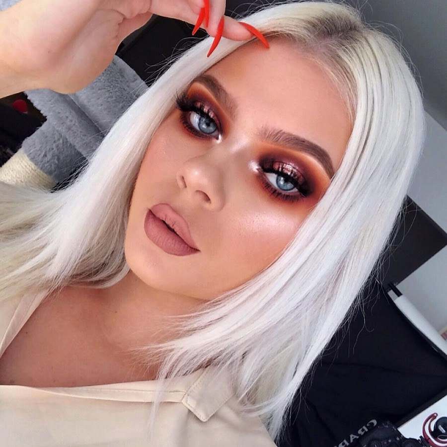how to become a famous makeup artist on instagram