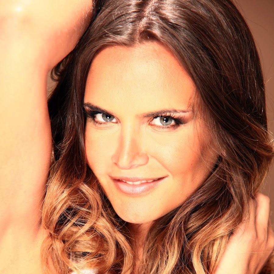 Amalia Granata Nude Photos 56