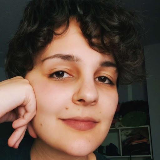 Laura Á.