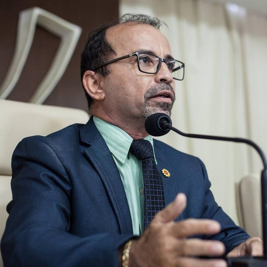 Resultado de imagem para O vereador Sandro Pimentel (PSOL)