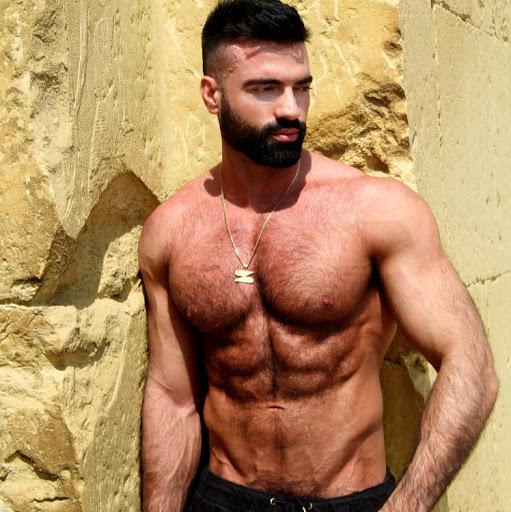 Dario Owen