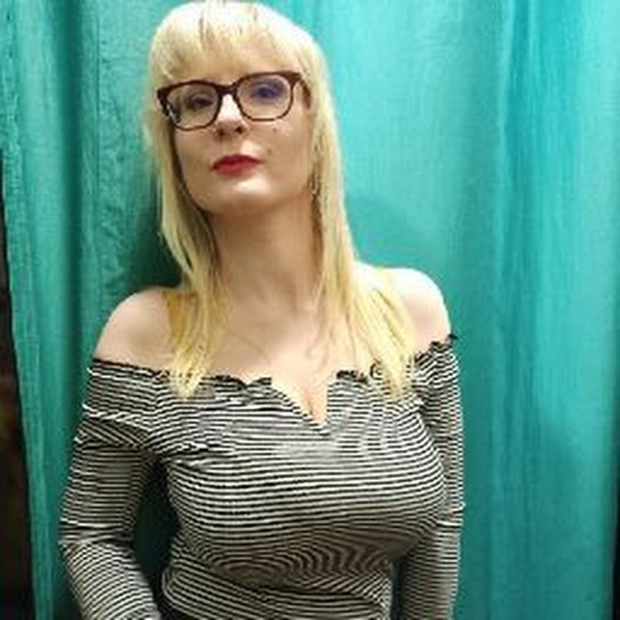 Sexy Casey Deluxe - YouTube