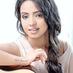 Cover Profil Varsha Tripathi