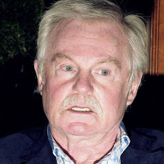 Derek Jacobi - Topic