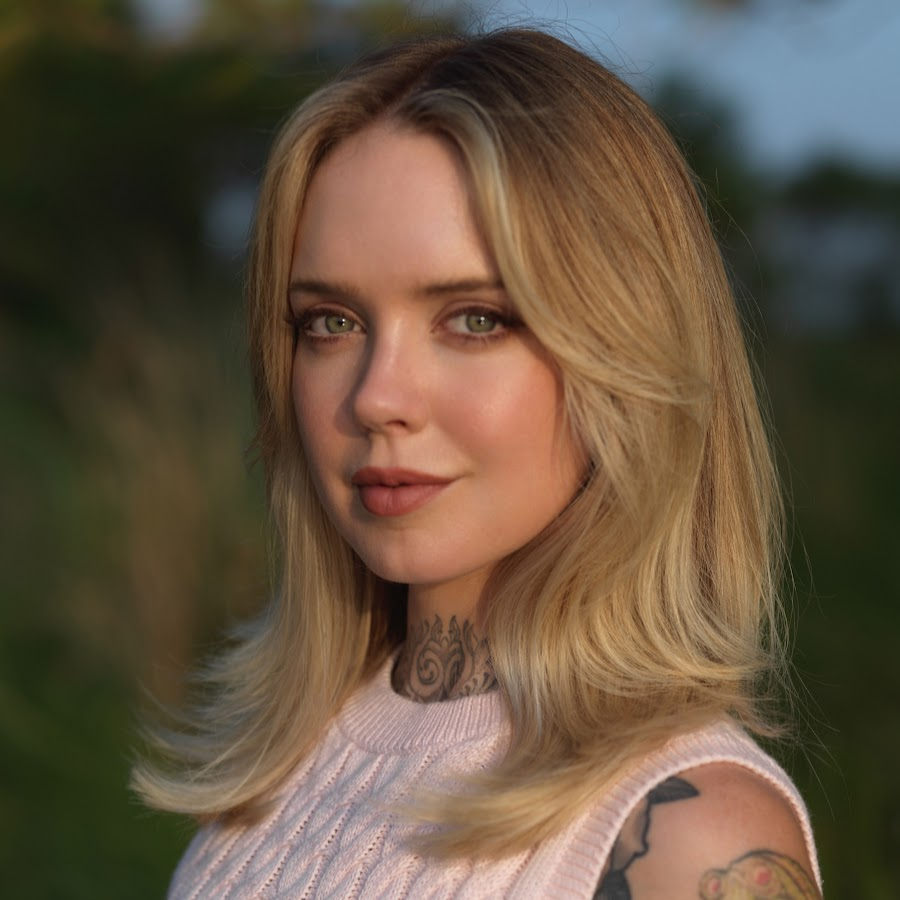 Sara X Mills - YouTube