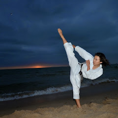 High Kick Chick - Online Karate Lesson -