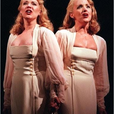 Broadway .Fan