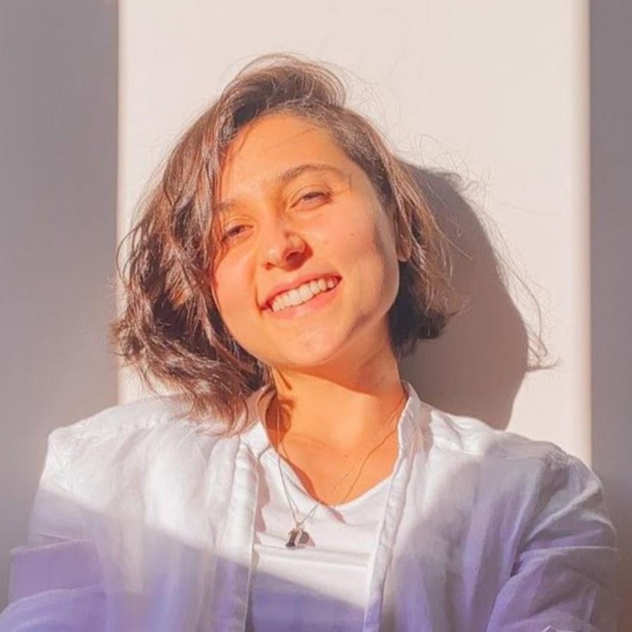 Ana Elisa Renault - YouTube