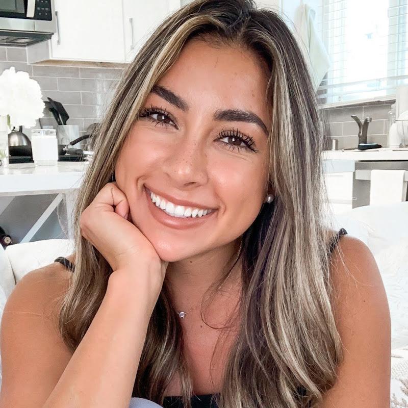 Jeanine Amapola