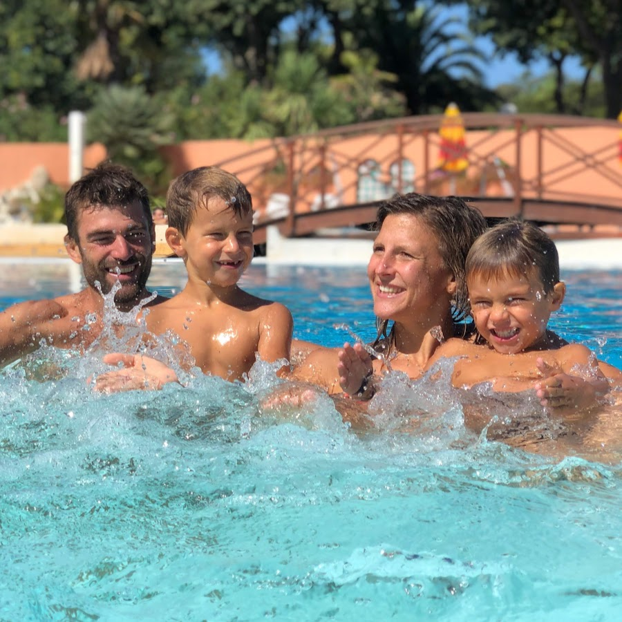 Camping les galets argeles sur mer youtube for Campings argeles sur mer avec piscine