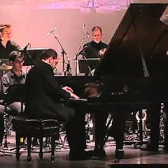 Kirill Gerstein - Topic