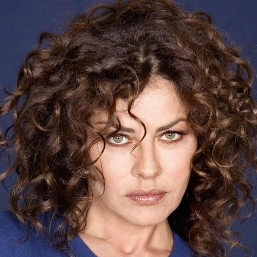 Eva Grimaldi si rivela: Assumevo anfetamine per restare