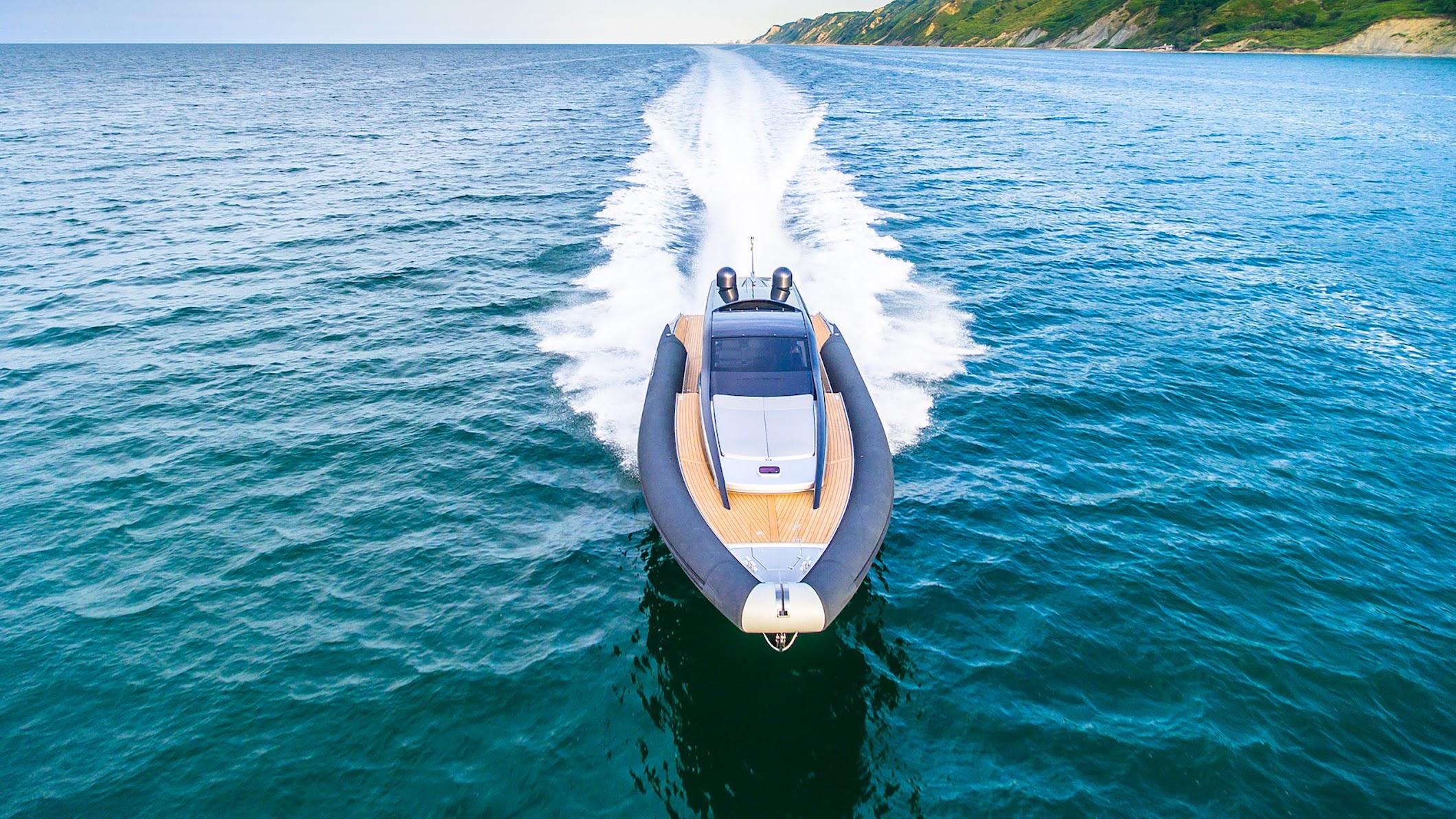 Anvera Crossover Boat