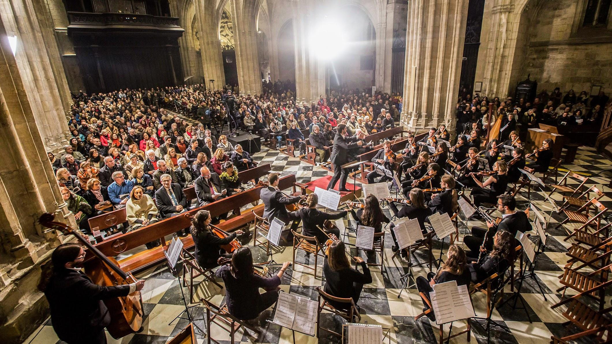 Pedro Ordieres con la Orquesta de la Universidad de Oviedo