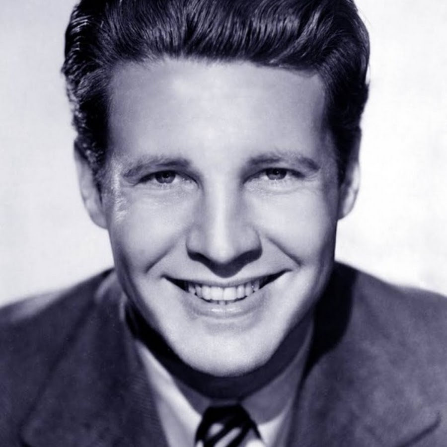 Ozzie Nelson - Topic - YouTube