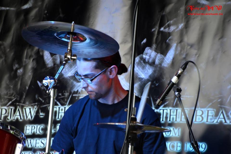 Maxx on stage