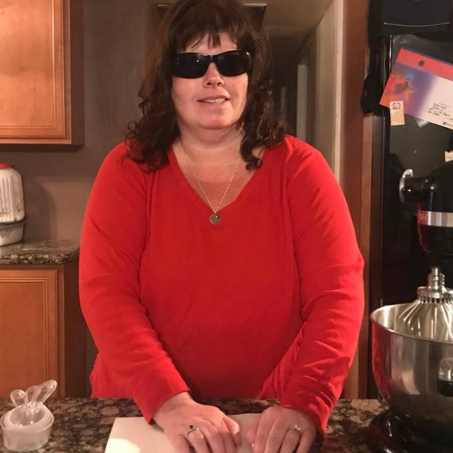 Ktivhen Messy: My Blind Mamas Messy Kitchen