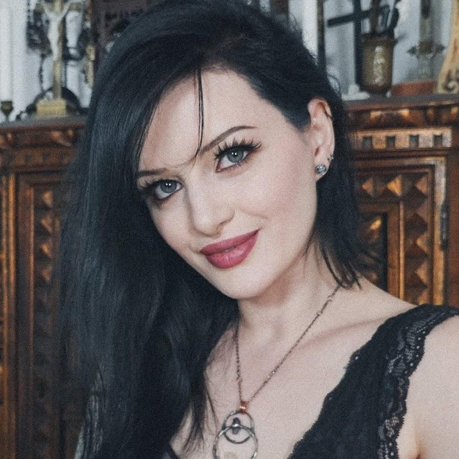 Alissa Noir - YouTube