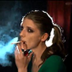 thegirlsmoking2