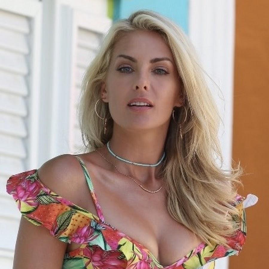 4275b71e95421 Canal Ana Hickmann - YouTube