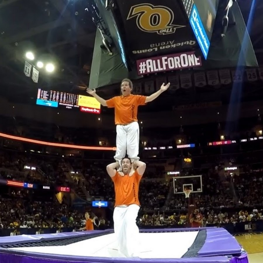 Frankford De Read Consumer: The Skyriders High Flying Trampoline Show