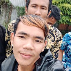 Khmer barber