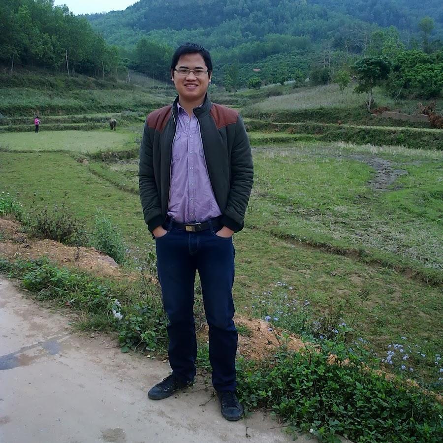 """Hiện Tượng Cha Trần Đình Long, SSS và Mục Vụ """"Lòng Chúa ..."""