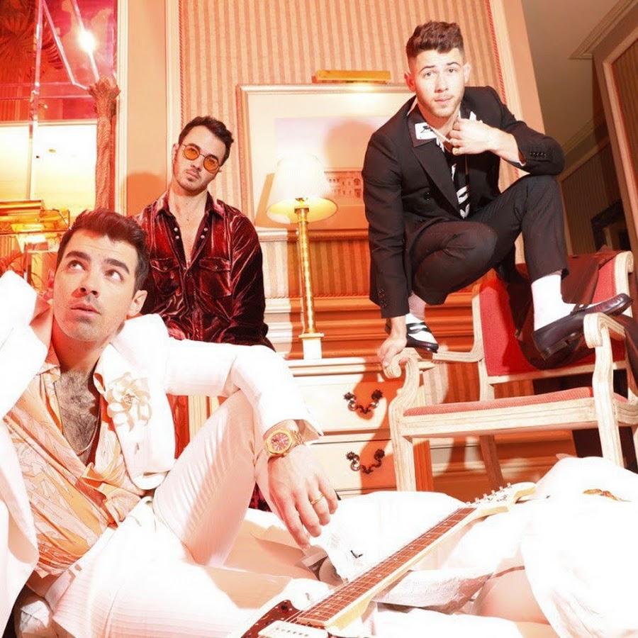 Jonas Brothers - YouTu...